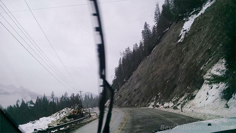 Mudslide blocks highway in northeastern Washington